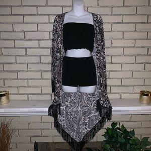 Other - Black and White Paisley kimono
